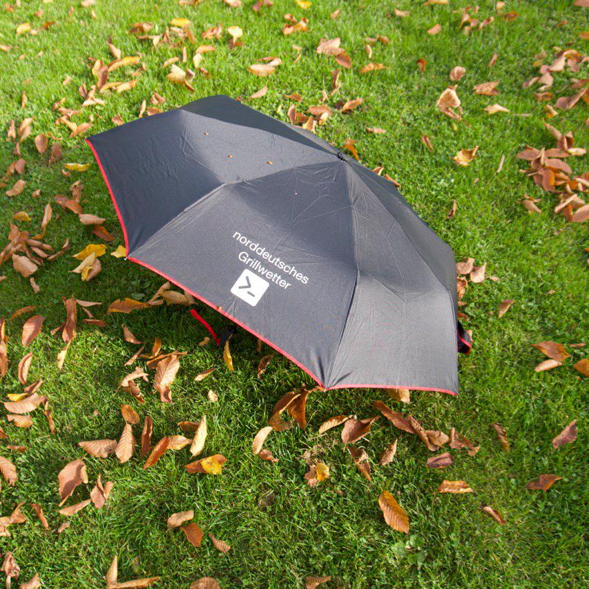 Regenschirm Norddeutsches Grillwetter